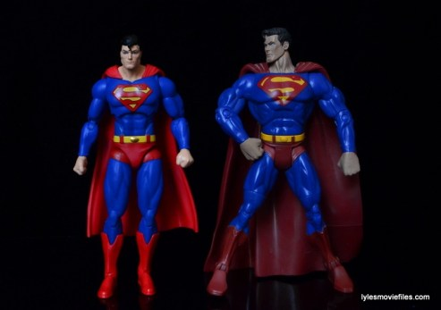 DC Icons Superman figure review -scale to DCSH Superman
