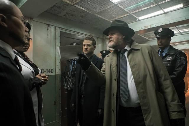 Gotham - Unleashed - Hugo Strange, Ms. Peabody, Gordon and Bullock