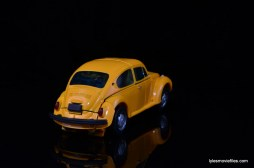 Transformers Masterpiece Bumblebee review -auto mode right side high