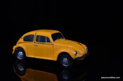 Transformers Masterpiece Bumblebee review - auto mode right side