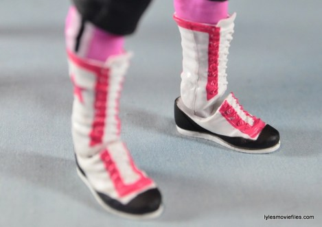 WWE Elite 43 Hart Foundation figures -Hitman boot front