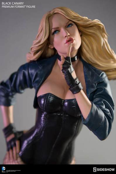 dc-comics-black-canary-premium-format-figure-up close