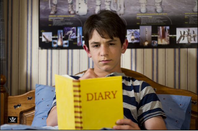 diary-of-a-whimpy-kid-dog-days-greg-heffley