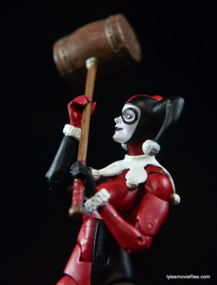 DC Icons Harley Quinn figure review -checking out mallet