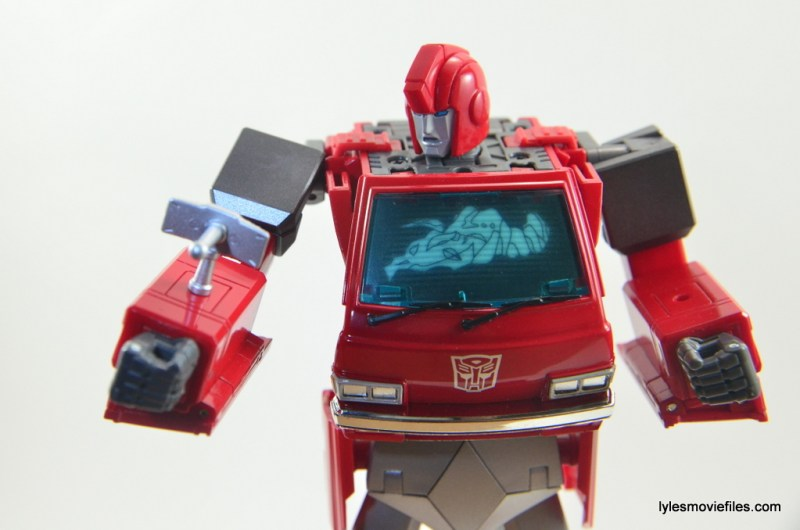 Transformers Masterpiece Ironhide figure review -checking sensor