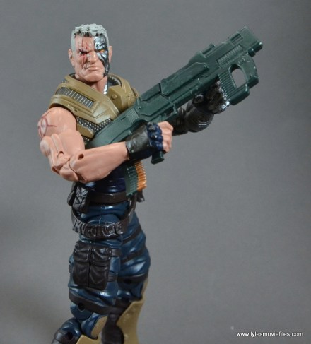 marvel-legends-cable-figure-review-holding-big-gun