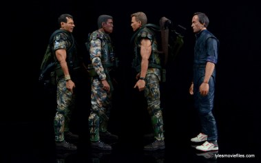 neca-aliens-series-9-frost-figure-review-scale-with-hudson-hicks-and-bishop