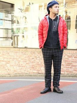 ウインドペン柄のパンツ×赤のダウン×革靴