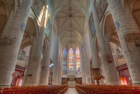 240811 test Sigma 12 24 27 7 7 8 9 9 9 A lintérieur de Notre Dame de Dole (et en HDR)