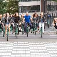 Ibis Sweet Bed fun: 20 bloggers bezetten Ibis Rotterdam