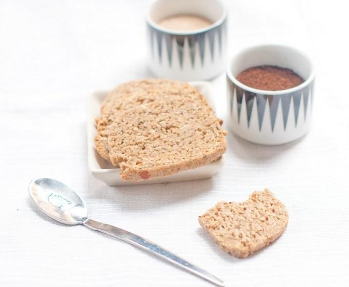 biscotti alla crusca e caffè