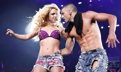 britney-spears-live-performing-at-rogers-arena-vancouver-01