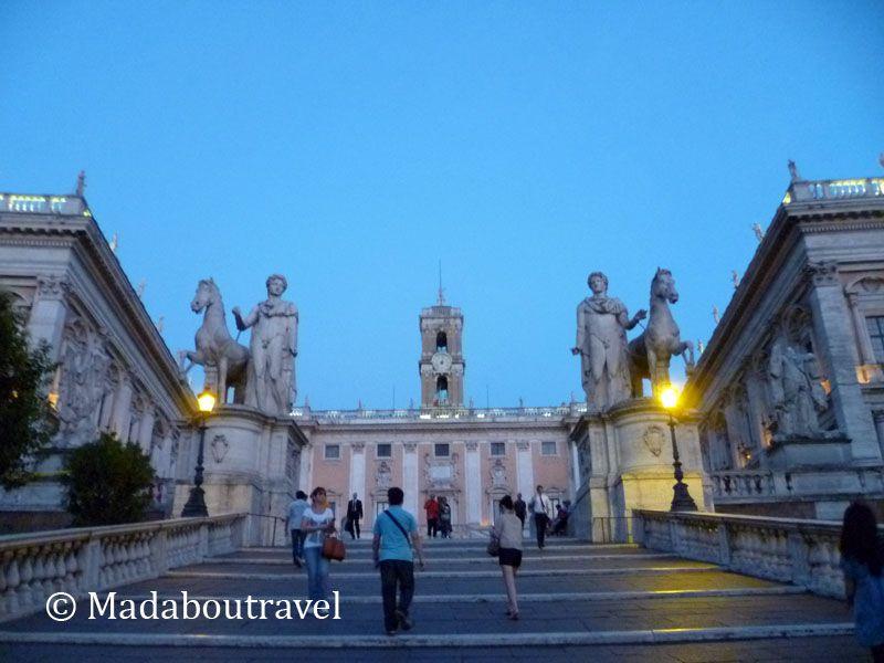Plaza del Campidoglio al anochecer (Roma)