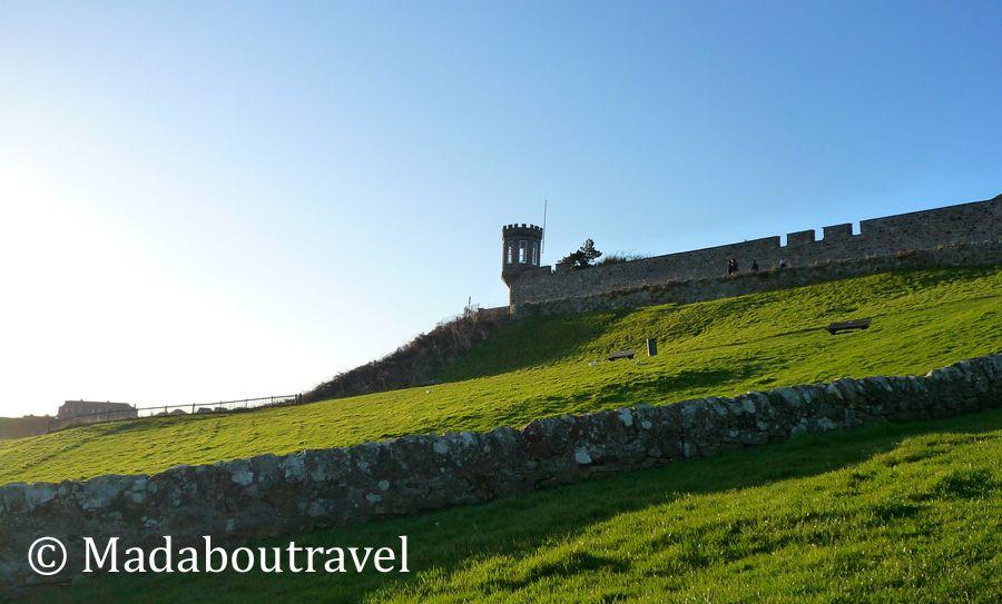 Castillo de Crail desde el paseo marítimo