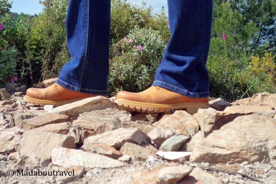"""Mis botas Panama Jack """"on the rocks"""" en la Serralada litoral"""