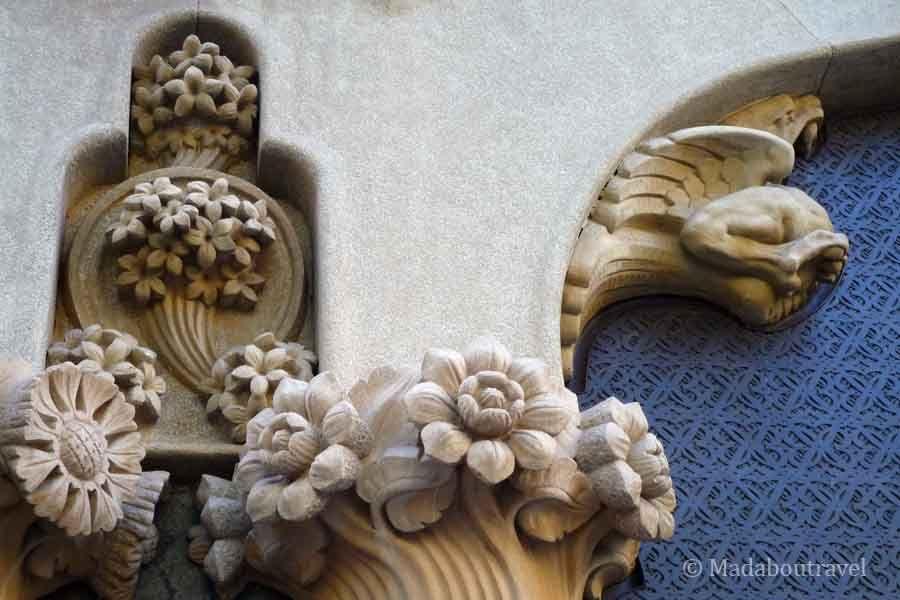 Detalle del exterior de la Casa Lleó Morera