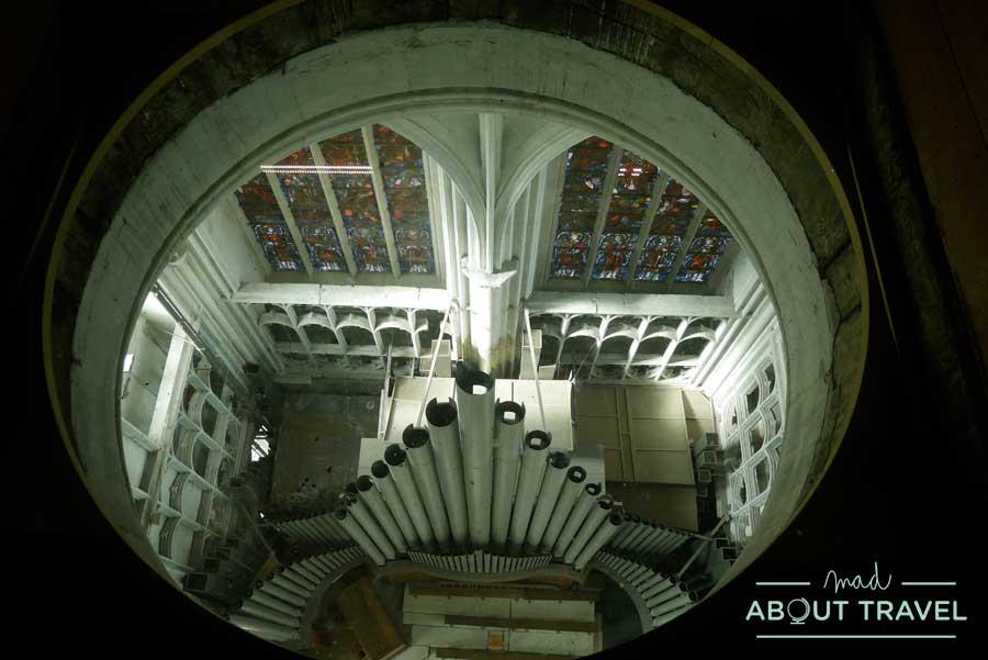Interior de la torre de San Romualdo en Malinas