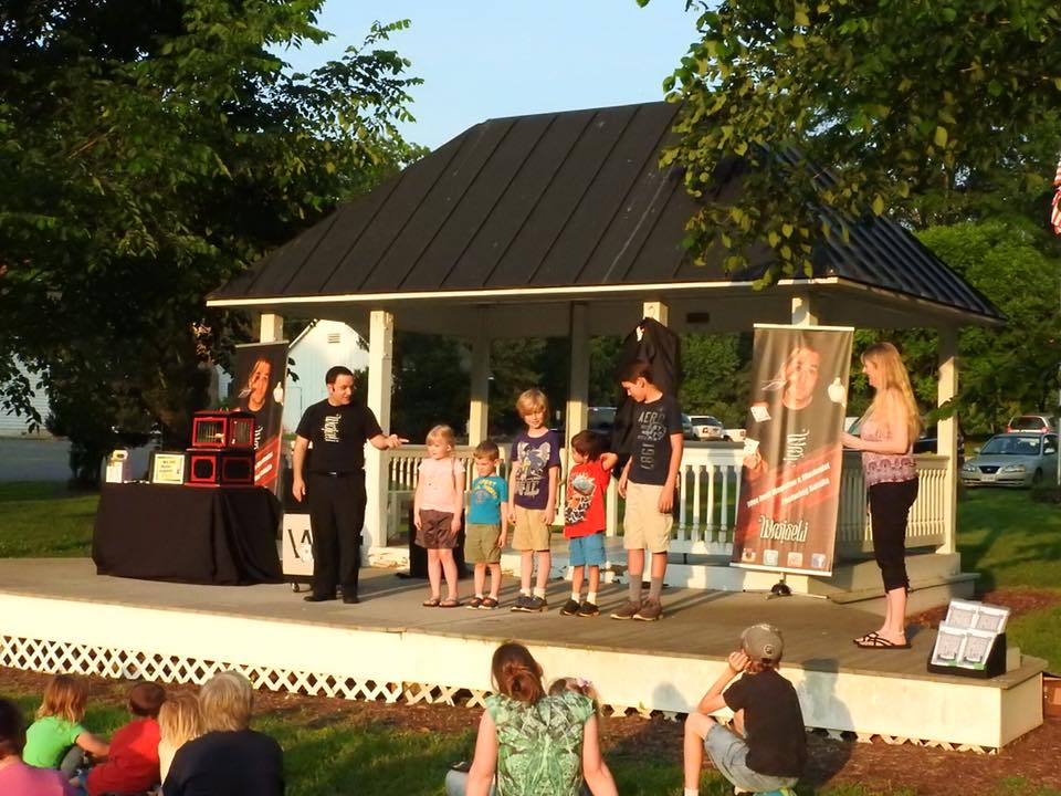 Summer Reading Program Events are in full swing- click here to check the calendar!