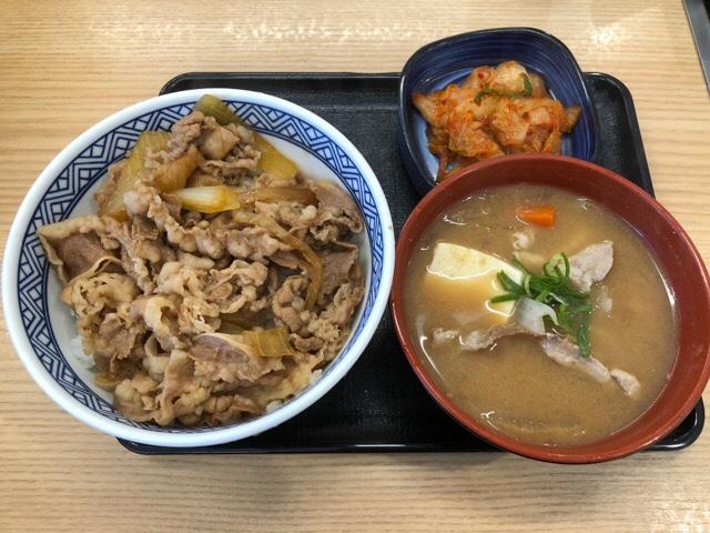 とん汁牛丼・キムチセット