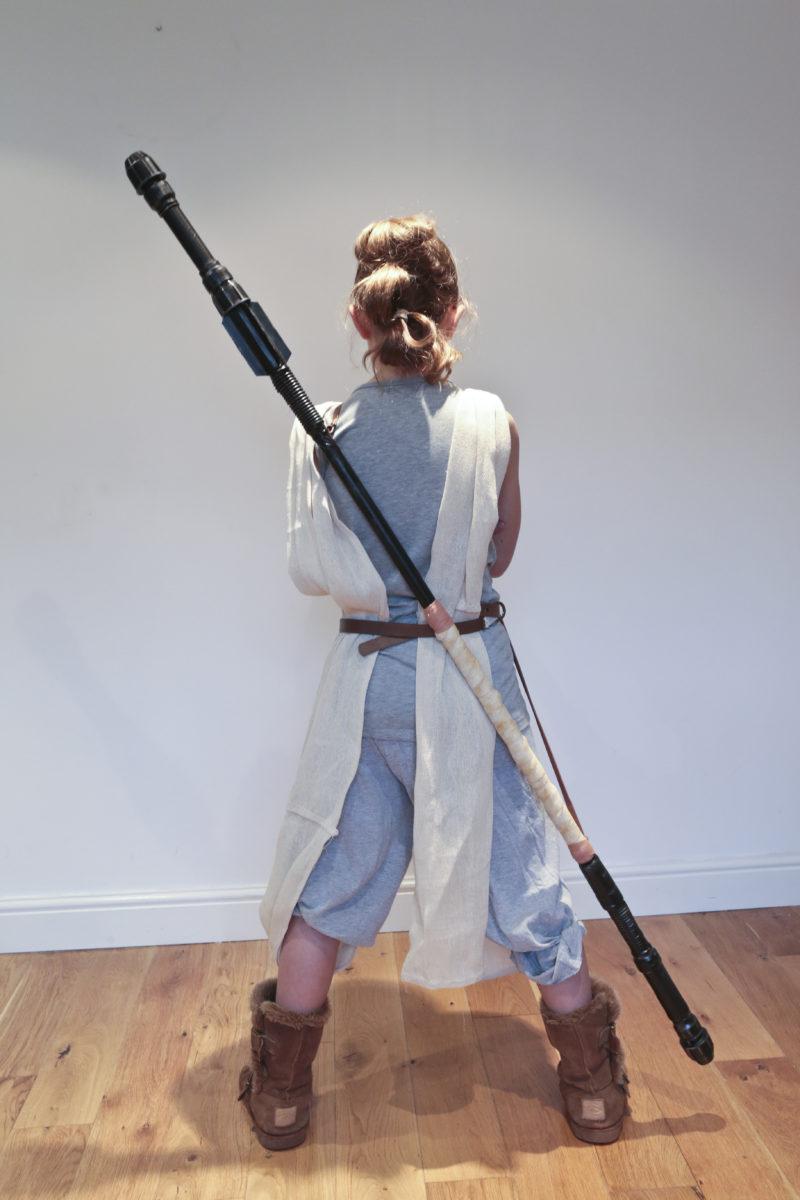 Star Wars: How to make Rey's costume Part 2, (Rey's Staff).