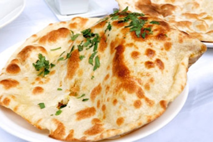 ... has a classic style of Tandoori Naan which goes well with it's menu