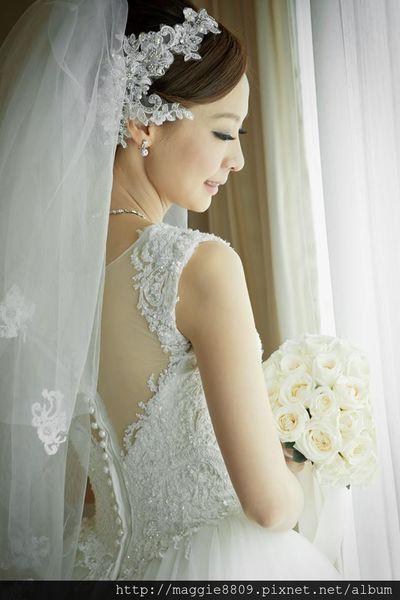 新秘作品,氣質新娘,Evelyn長榮酒店婚宴,氣勢長頭紗,不規則編髮造型,