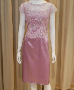 粉紅色,緞面,蕾絲,圓領,短袖,小禮服,媽媽禮服,婆婆禮服,主婚人,台北媽媽禮服, ,媽媽裝禮服,媽媽宴客禮服,媽媽晚宴服