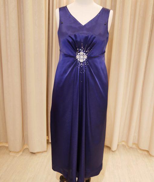(台北媽媽禮服)MS111大尺碼藍緞面亮鑽V領長禮服