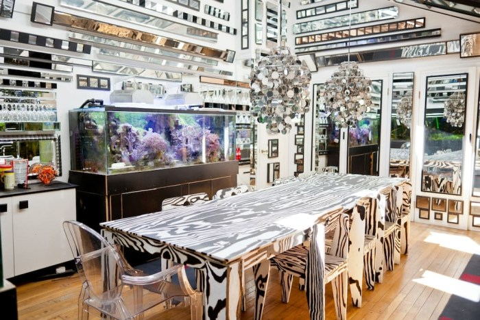 mirrored-room-airbnb-artists-home
