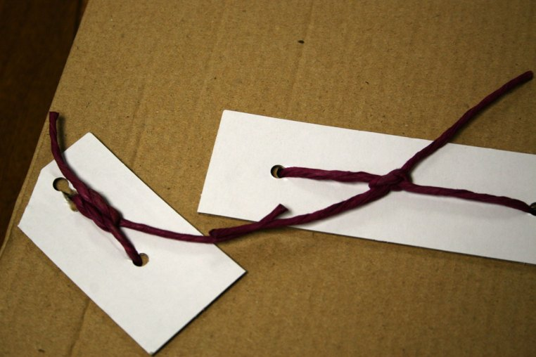 An interesting new way of tying figures down. No wire, or plastic - this is twine.