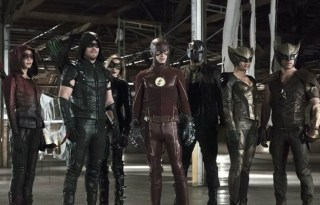 Flash-Arrow-Legends-of-Tomorrow-Crossover-750x400