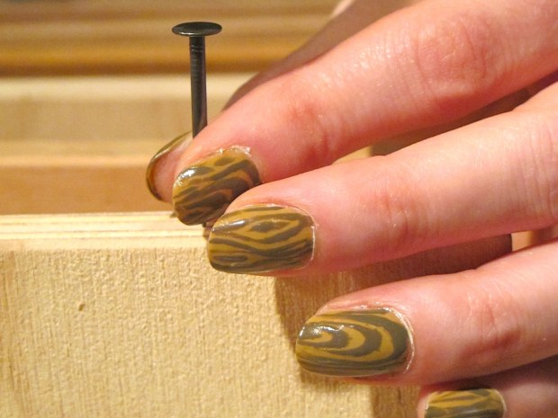 Wood Nails – A Faux Bois Manicure