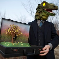Business Lizard and Brief Case&nbsp;Diorama