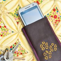 Phone Home Leather Smartphone Case from Busy Girls Guide to&nbsp;Sewing