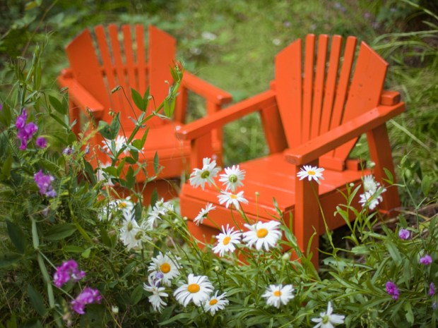 Bright and Fresh Garden Furniture