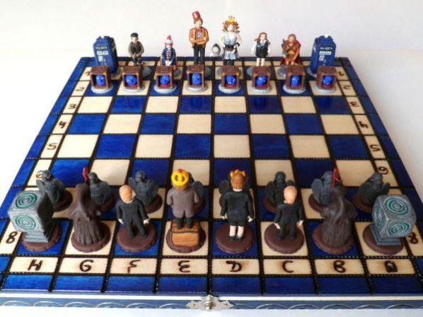 dr-who-chess-set