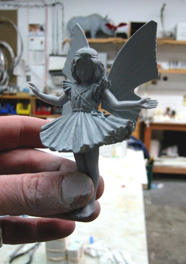 Fig. T: The finished casting, cleaned up, glued together, and painted with primer.