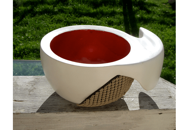 Designed for people with hand disabilities, like tremors, painful joints, or reduced dexterity, the Nautilus Bowl is ergonomic to hold and dignified to use.