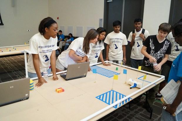 Linkbots at UC Davis STEM Day.