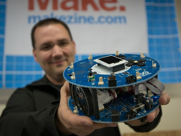 Read more >> Arduino launches their own robot kit. Buy it!