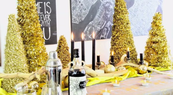 TB-gold new year's eve decor