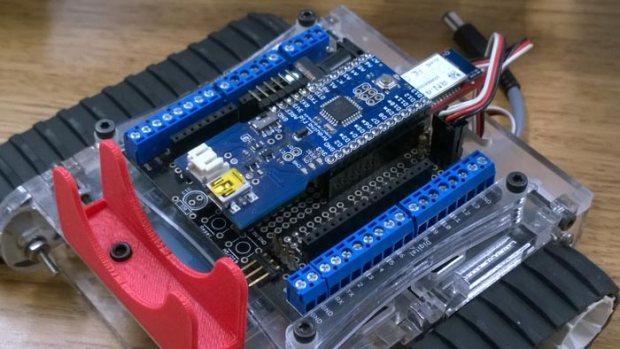 Adam Kemp's Arduino Fio powered robot