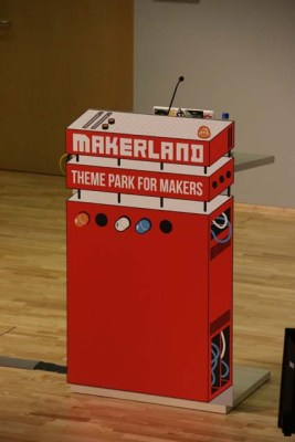 The Makerland artwork and scenic elements are fantastic. This is the main stage podium for presenters.