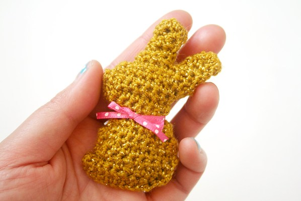 twinkie-chan-crocheted-easter-bunny-1