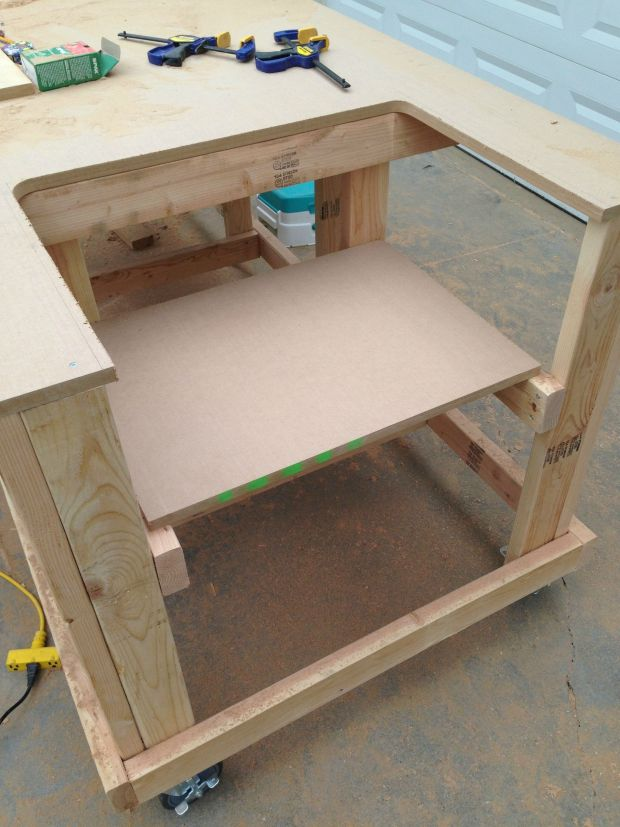 The seat for the table saw.