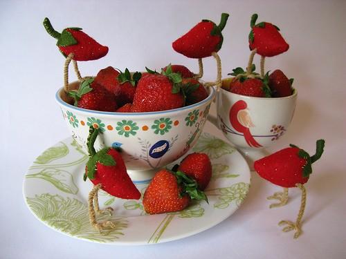 felted-strawberry-bird-2