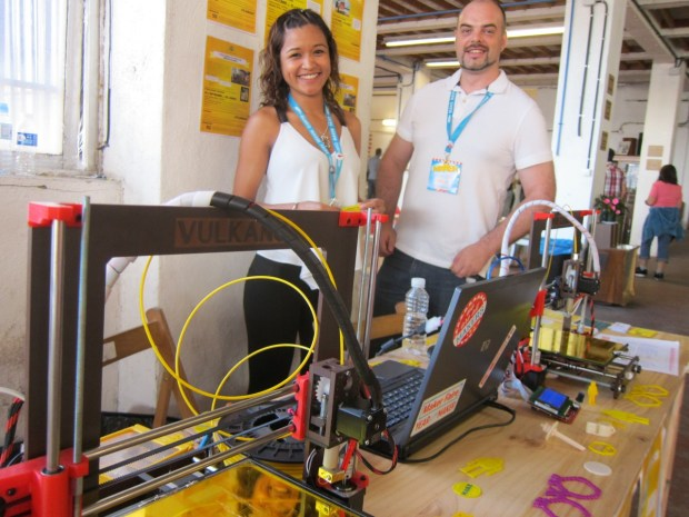 Mariel Diaz Castro and Jose Antonio Fernandez representing BEE A DOER, a 3D printing masters program out of Universidad de Oviedo
