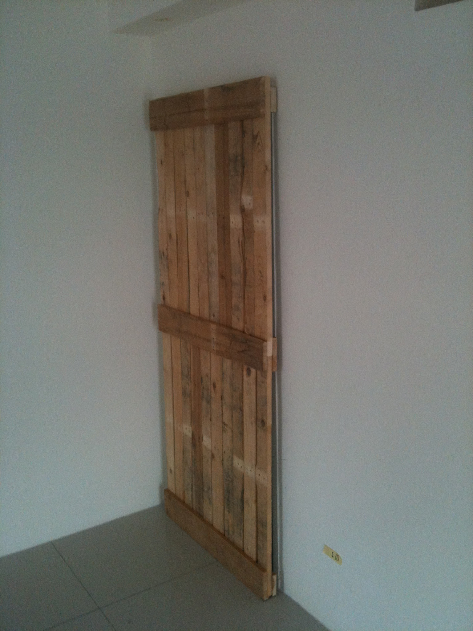 Sliding Door Made From Old Pallets Make Diy Projects