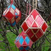 craftypod_plastic_canvas_gem_ornament_01