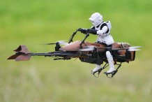 FPV Star Wars Speeder Bike Quadcopter Puts You in the Driver's Seat